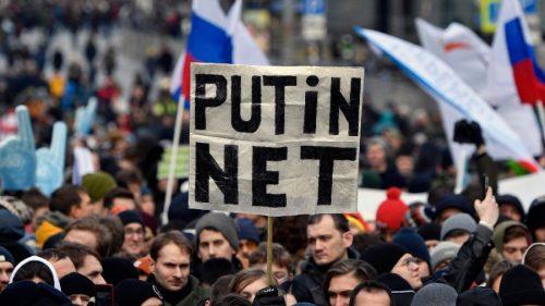 """Rússia testa """"cortina de ferro"""" da internet, e isso pode ter efeito mundial [UOL Tab]"""